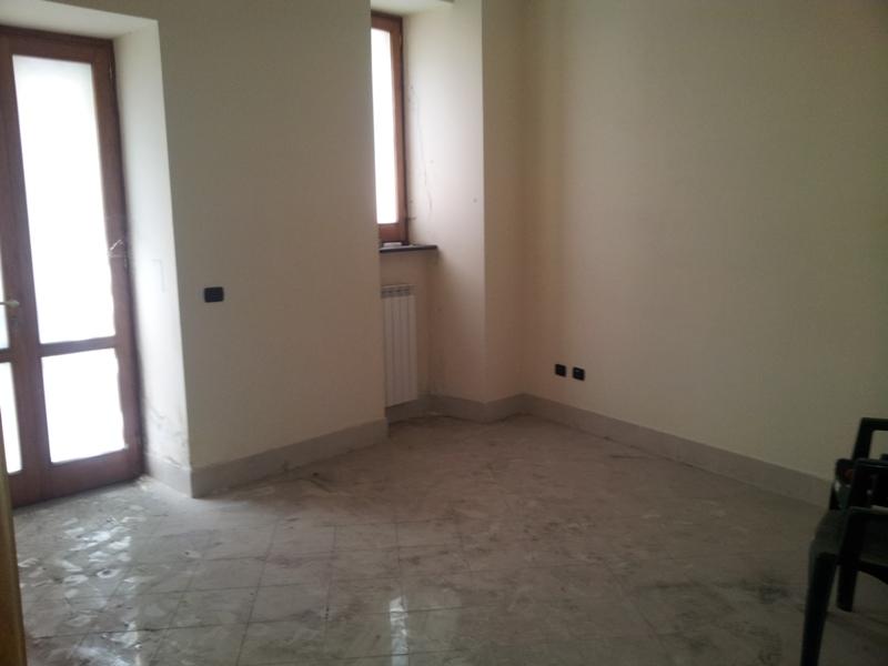 Nola in affitto appartamento uso ufficio a10 tecnoimmobile for Affitto appartamento roma uso ufficio